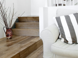 What are the Differences Between European Oak and American Oak Floors? The 5 Key Differences
