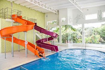 piscina com toboagua, Hotel Mil Flores 2