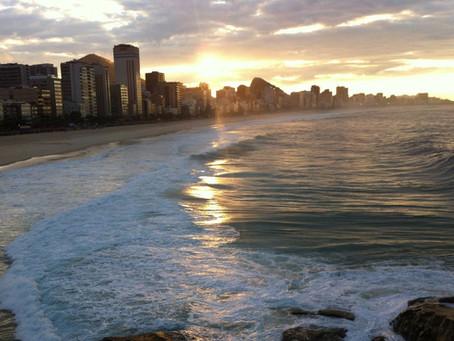 Pôr do sol em Copacabana
