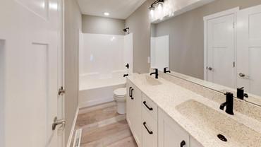 1676-Century-Ridge-LN-NE-Bathroom(2).jpg