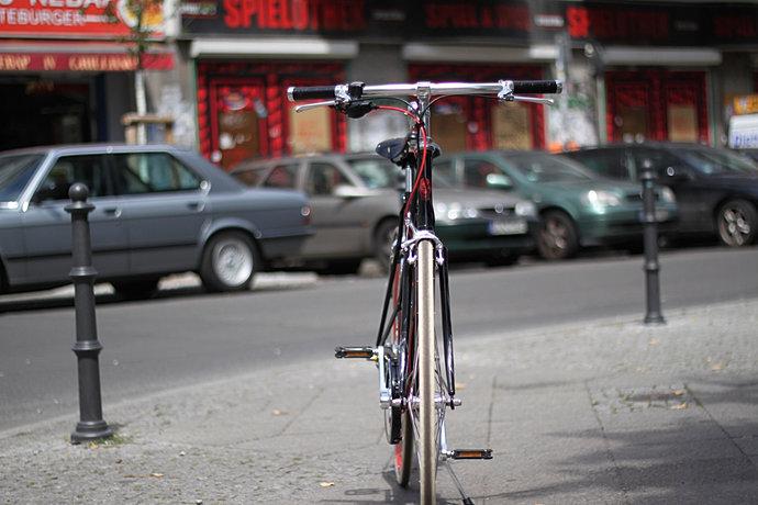 hollandrad fahrradladen in berlin kreuzberg. Black Bedroom Furniture Sets. Home Design Ideas