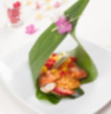 Saumon à la sauce curry, un plat pour un déjeuner d'affaires réalisé par votre chef en entreprise spécialités thaïes