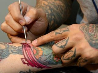 Prohibición de los tintes Blue 16 (74160/azul) y Green 7 (74260/verde) para tatuajes?