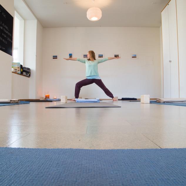 meyo_house_yoga_studio_basel_vinyasa_hat