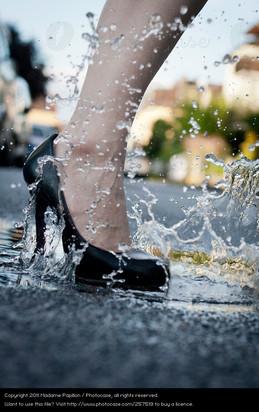 257519-human-being-woman-water-street-fe