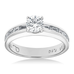 4 Claw Diamond Ring