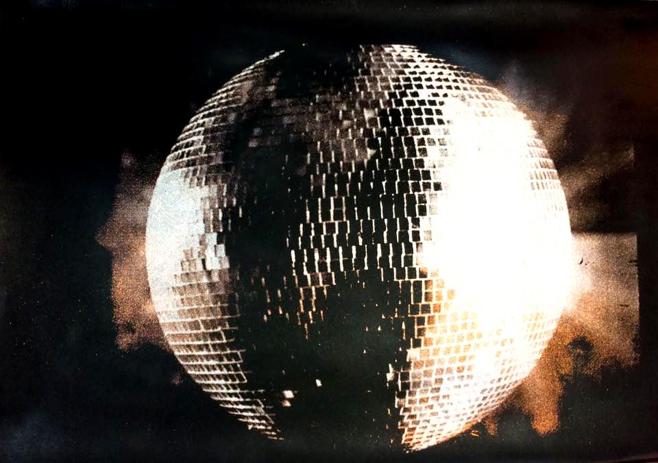 DISCO GLITTER BALL  Gold