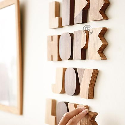 NARA 實木字母裝飾