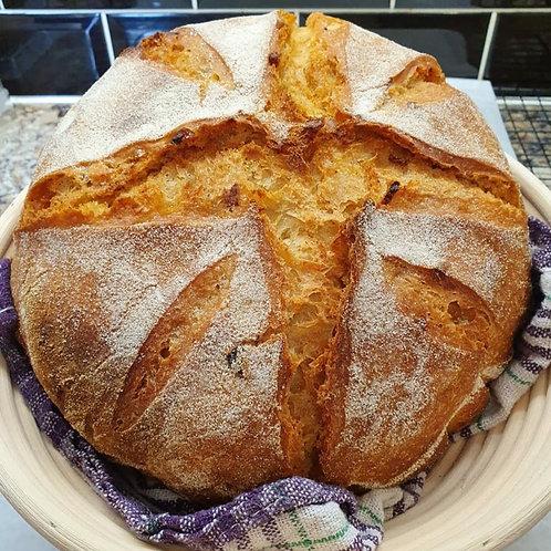 Cheddar, Roasted Garlic and Fresh Rosemary (1100g)