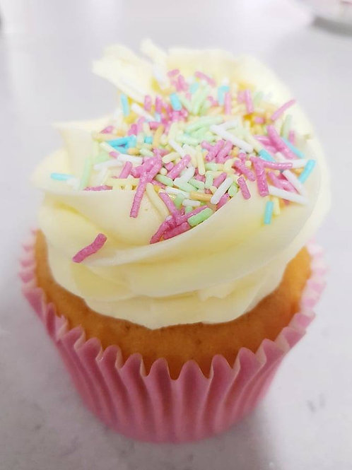 GLUTEN FREE Six 'Cake Lab' Cupcakes
