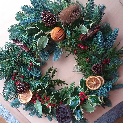 """Handcrafted Natural 30cm/12"""" Wreath"""