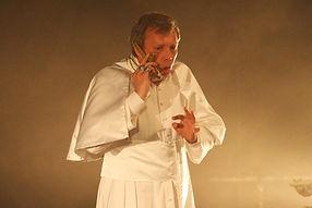 Vincent Fouquet dans LE VILLAGE EN FLAMMES de R.W. Fassbinder. Mise en scène : Yann Dacosta