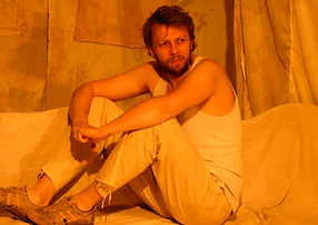 Vincent Fouquet dans LE BAISER DE LE FEMME ARAIGNÉE de Manuel Puig. Mise en scène : Yann Dacosta