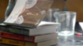 LAJ#9 Pile de livres.jpg