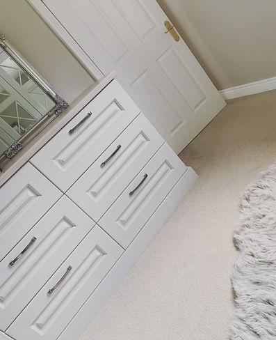 drawers%20bedroom_edited.jpg