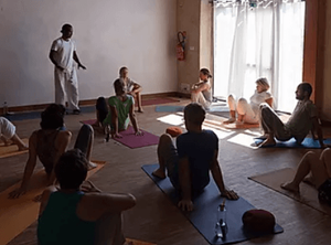 Découvrez le yoga de l'énergie | Yoga Nantes | À Corps Libre | Yoga de l'énergie