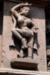 Stage yoga Bretagne : Yoga au féminin, Body Mind Centering, Périnée et mouvement, le féminin sacré.