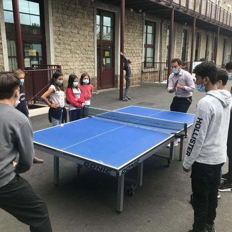 Parties de ping-pong au Collège Sainte Marie