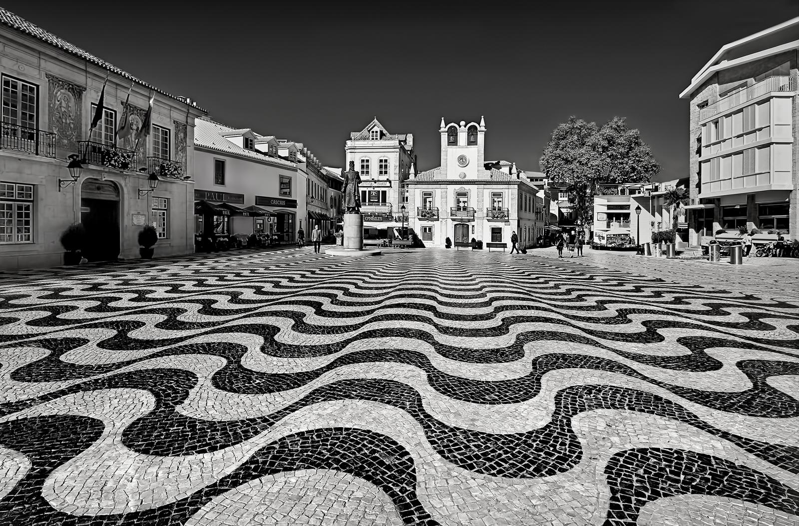 Pam Sherren_Cascais Square_Gold