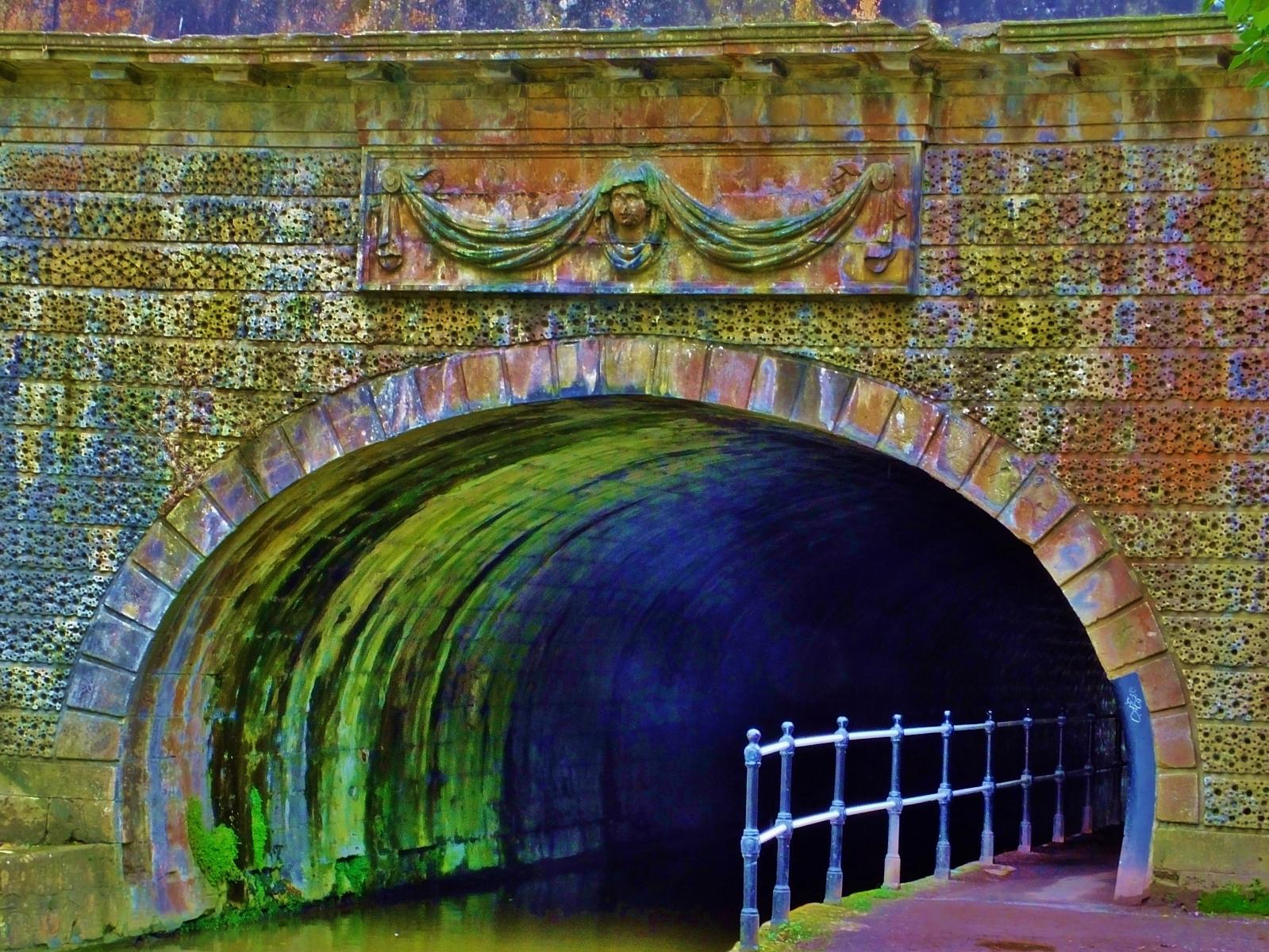 Paul Williams_02 Tunnel Colours_None