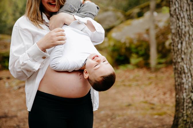 séance grossesse en forêt