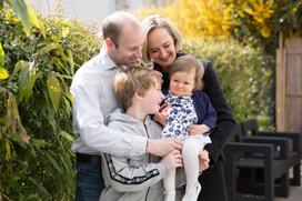 séance famille dans son jardin