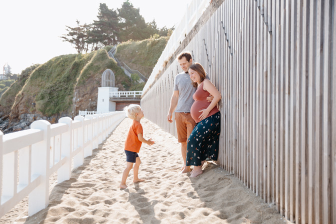 sénace grossesse à la plage bretagne