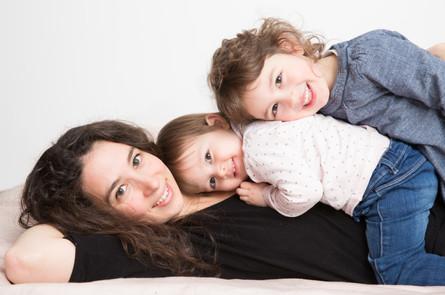 3 beaux sourires pour une séance famille