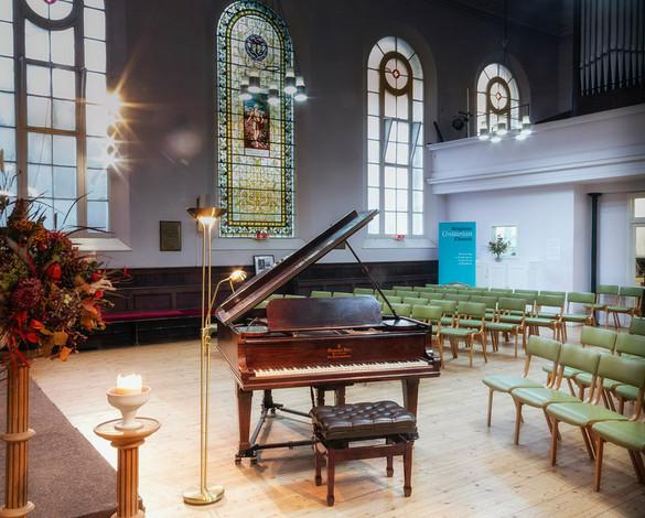 glow-unitarian-church-interior_2_orig.jp