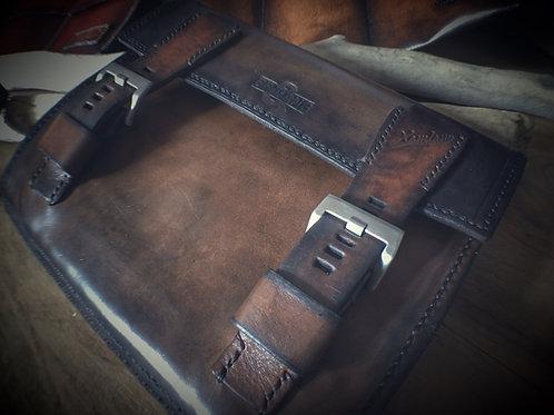 Pochette pour huit bracelets montre en cuir patiné