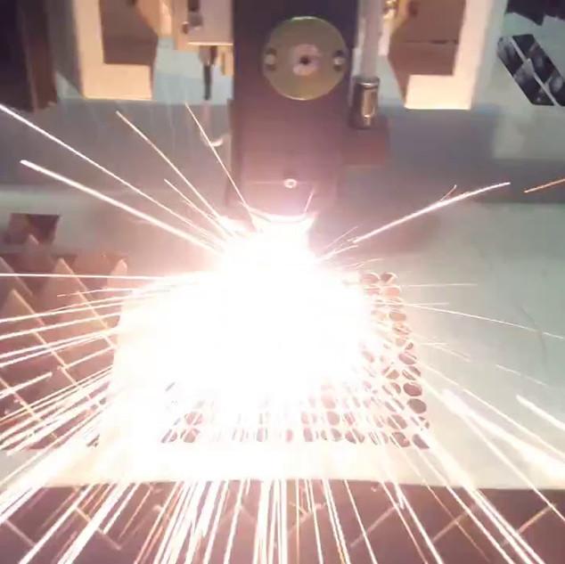 Metalique laser CNC