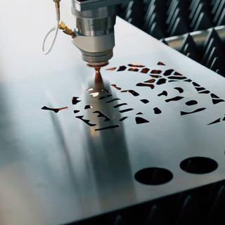 Laser Metalique corte em 1mm aço carbono