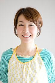 島本プロフィール写真(WEB用JPEG).jpg