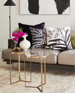 Cushion display 1