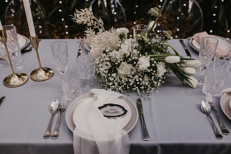 SRWH - Table Setting & Ghost Chairs (6).