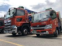リヴソル物流 15tトラック(クレーン付)、3tトラック(クレーン付)