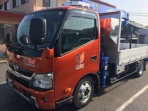 リヴソル物流 3tトラック(クレーン付)
