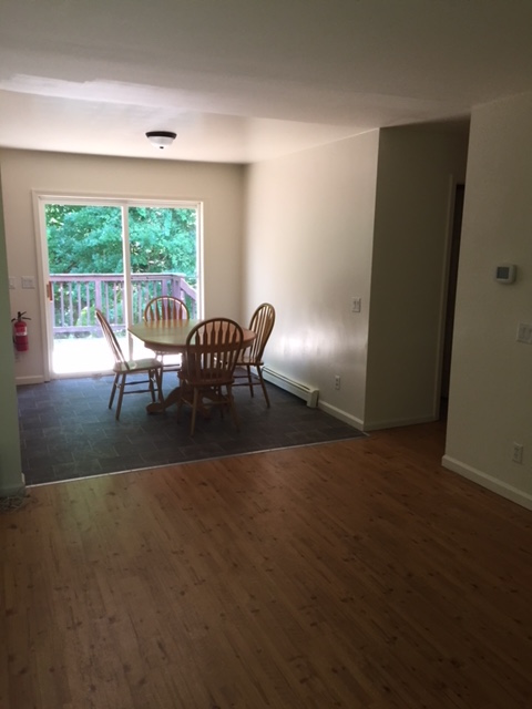 26 Grove Street - DINING AREA