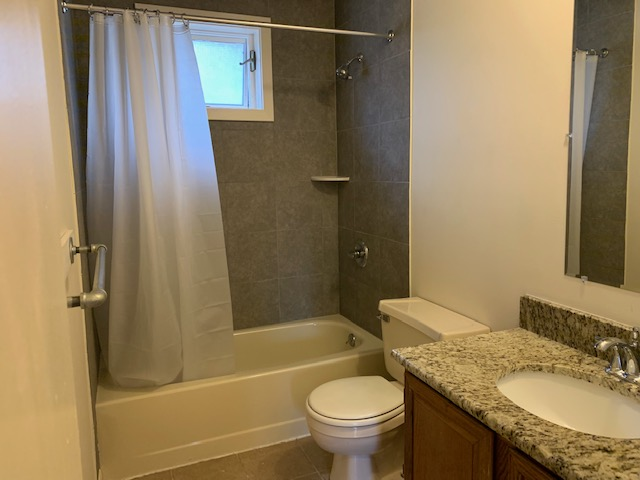 66 S. Chestnut Street - UPPER BATHROOM