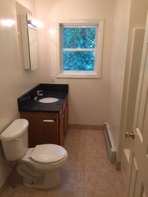 26 Grove Street - BATHROOM 1