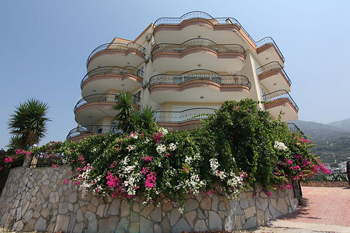 OASEN Apartment with Pool, Garden and Seaview in Mahmutlar, Alanya