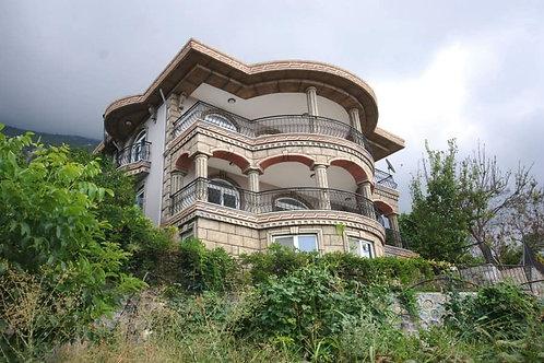 Villa with big Garden and Seaview in Mahmutlar, Alanya