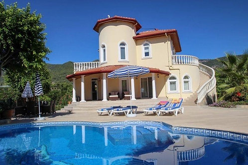 2 x 3+1 Villa with Pool, Garden and Seaview  in Oba, Alanya