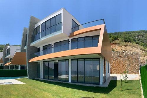 5+1 Villa with Pool, Garden and Seaview in Bektas, Alanya