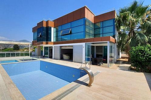 4+1 Villa with Pool and Garden in Kargicak, Alanya