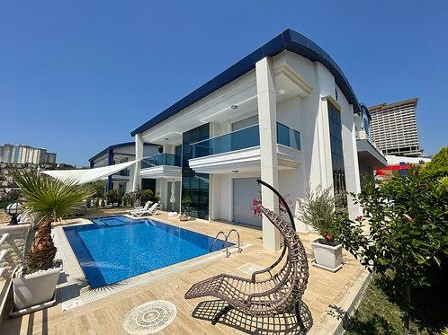 4+1 Villa with Pool Garden and Seaview in Kargicak, Alanya