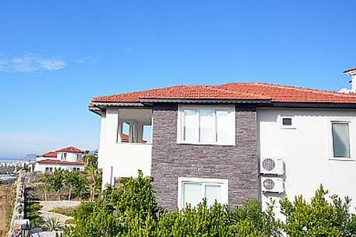 SUN Villa with Pool, Garden and Seaview in Kargicak, Alanya