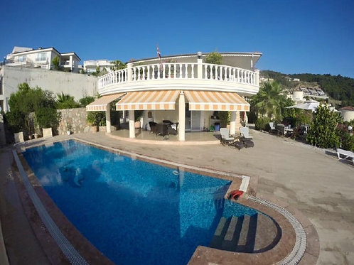 3+1 Villa with Pool, Garden and Seaview  in Kargicak, Alanya