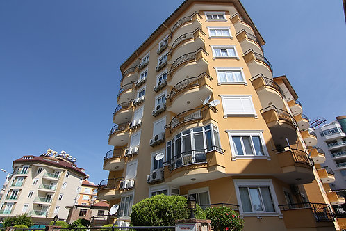 Calis Apartment with Pool and Garden in Center, Alanya