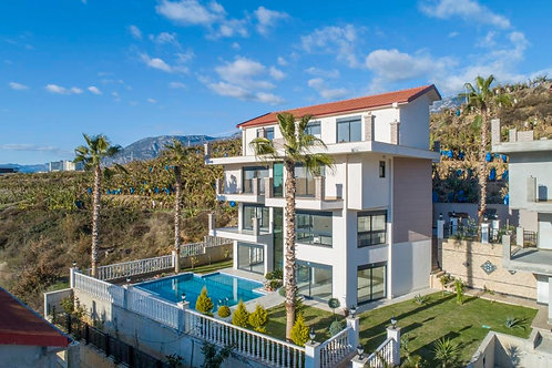 5+1 and 7+1 Villas with Pool, Garden and Seaview in Kargicak, Alanya